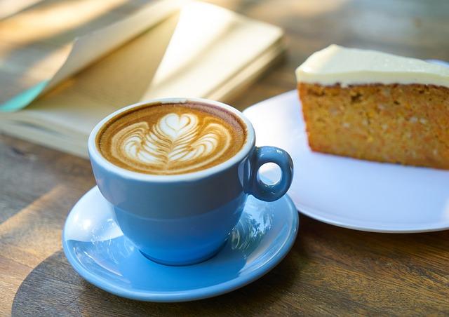 káva a dort.jpg