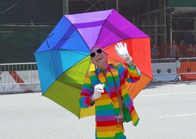 duhový svetr a deštník.jpg