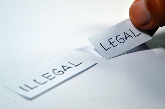 nelegální a legální