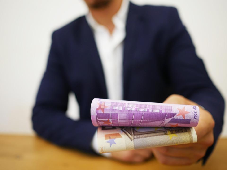 předání eur